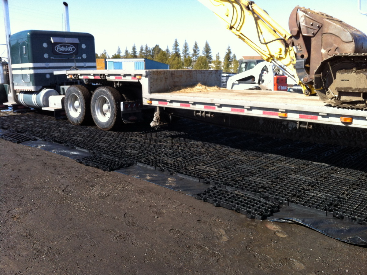 GEOTERRA Mats Support Heavy Vehicle & Equipment Loads